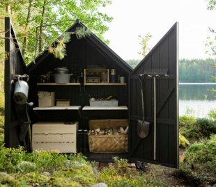 dezeen_Garden-Shed-by-Ville-Hara-and-Linda-Bergroth-04